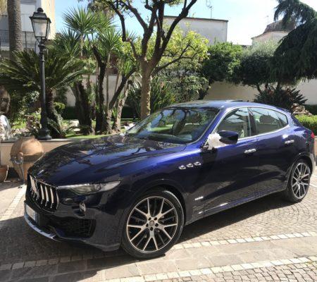 Maserati Levante blu (5)